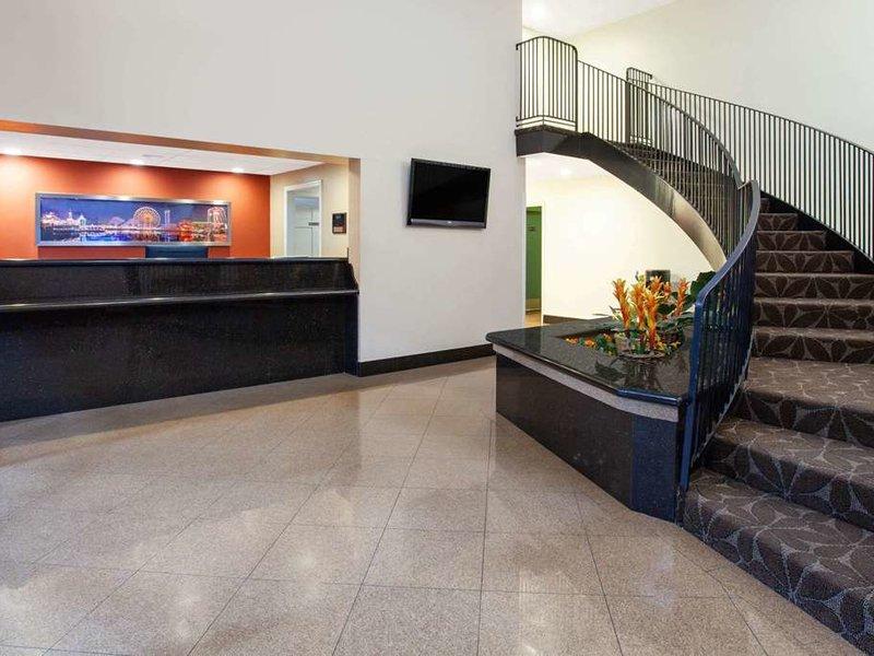 Travelodge Anaheim Inn & Suite on Disneyland Drive Lounge/Empfang