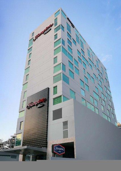 Hampton by Hilton Panama Außenaufnahme