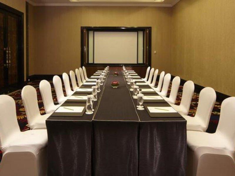 The Trans Luxury Hotel Konferenzraum