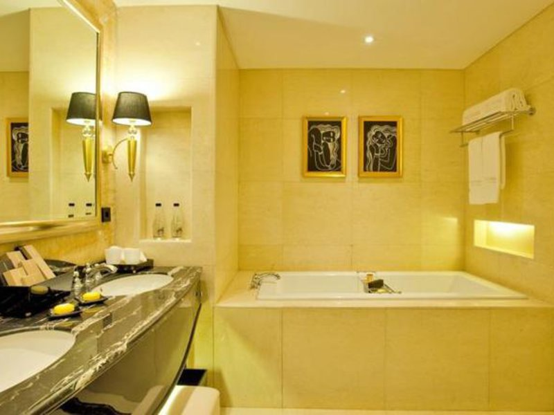 The Trans Luxury Hotel Badezimmer