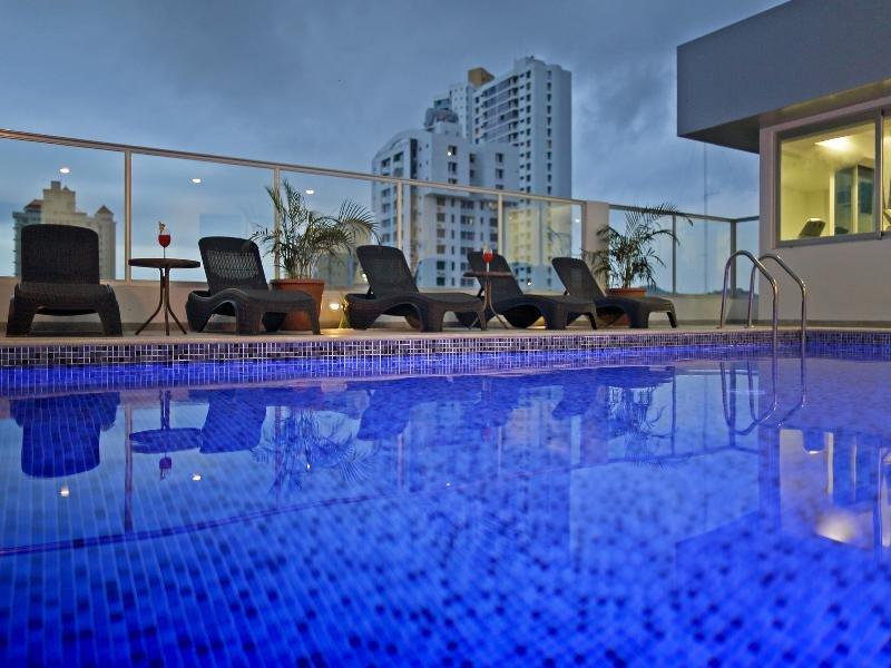 Ramada Panama Centro Pool