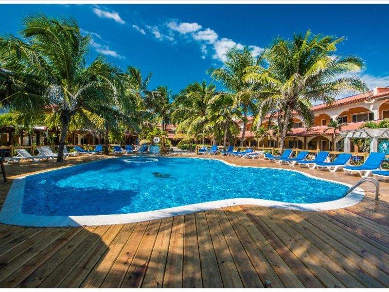 Sunbreeze Hotel Pool