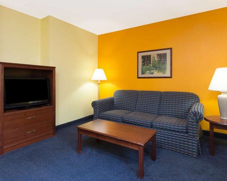 Howard Johnson Inn & Suites Springfield Wohnbeispiel