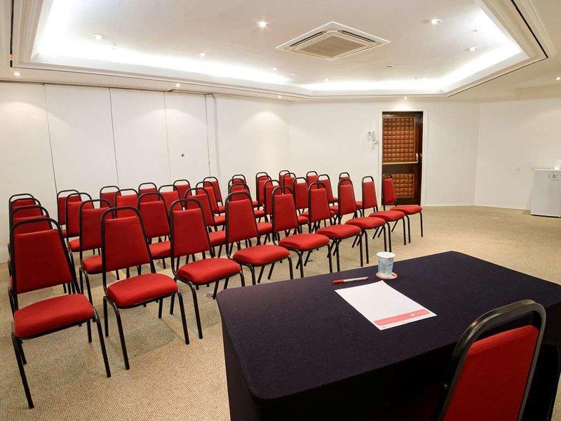 Ramada Suites Sao Paulo Itaim Bibi Newciti Konferenzraum