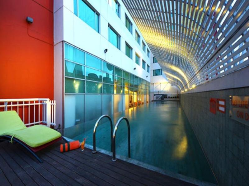 Harris Hotel & Conventions Festival Citylink - Bandung Pool