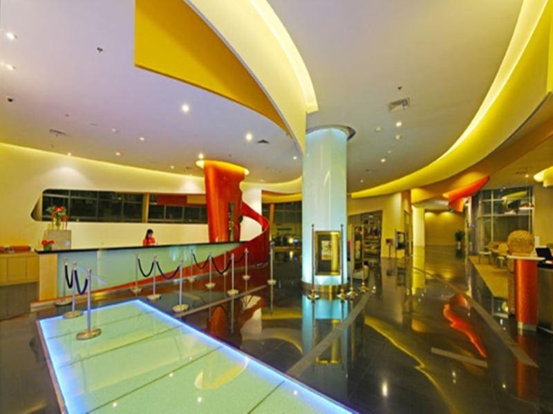 Harris Hotel & Conventions Festival Citylink - Bandung Hallenbad