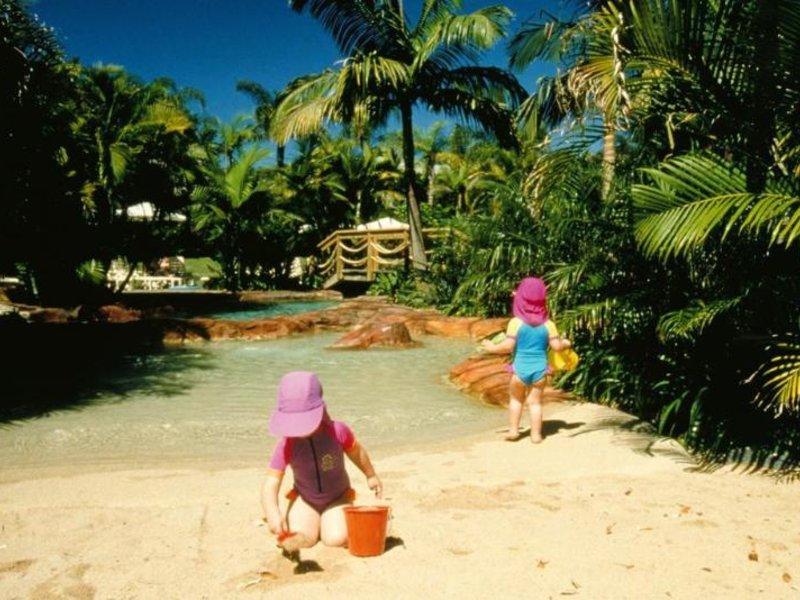 BreakFree Aanuka Beach Resort Strand