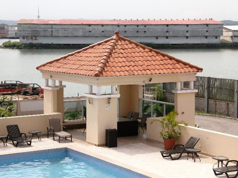 Radisson Colon 2000 Hotel & Casino Pool