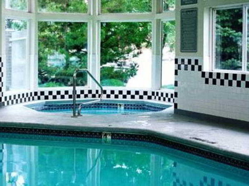 Crystal Inn Hotel & Suites - Brigham City Pool