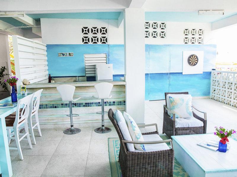 Adulo Apartments Bar