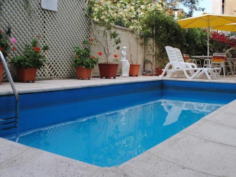 Paradise Departamentos Pool