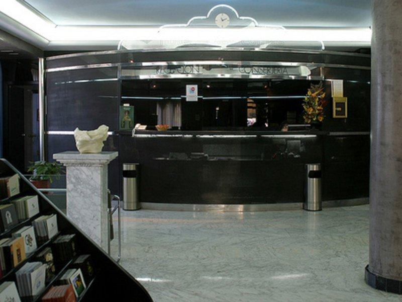 City House Las Lomas Bar