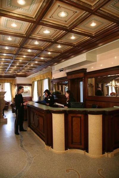 Festa Winter Palace Lounge/Empfang
