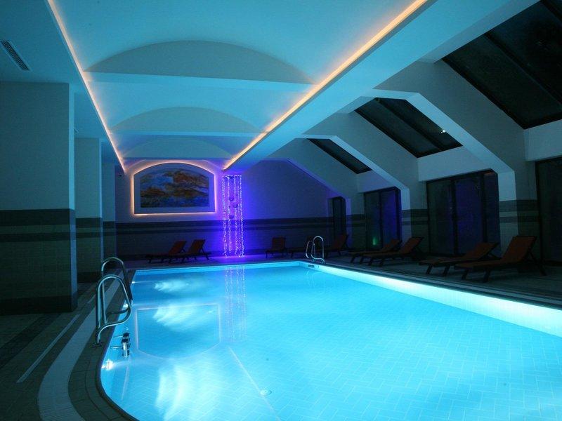Festa Winter Palace Pool