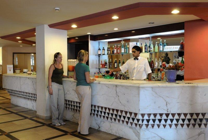 PrimaSol Omar Khayam Hammamet Resort & Aquapark Bar
