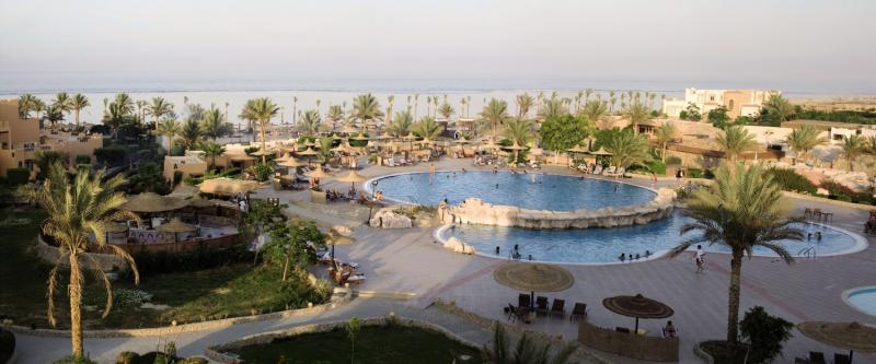 Elphistone Resort Pool