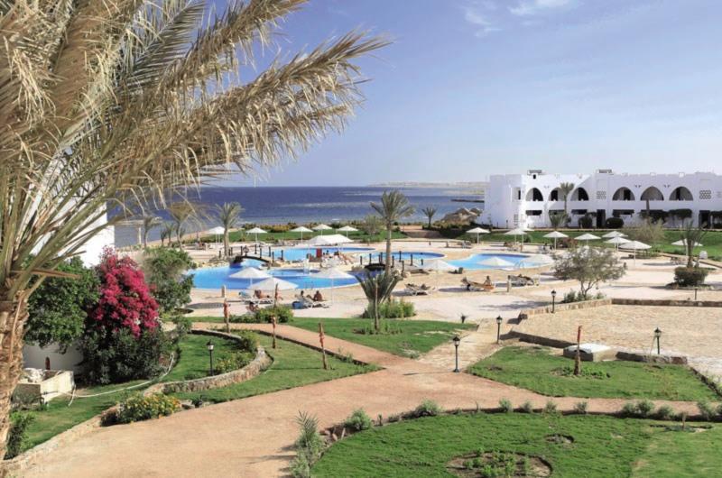 Three Corners Equinox Beach Resort Garten