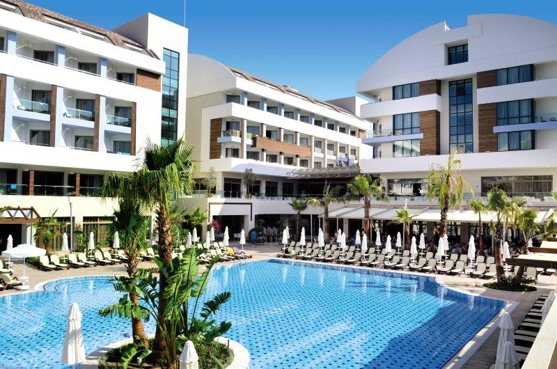 Port Side Resort Außenaufnahme