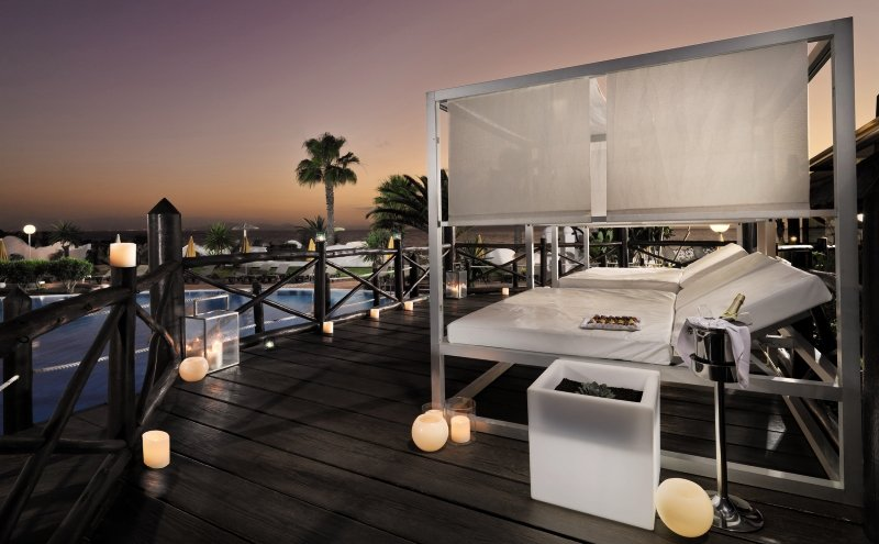 H10 Timanfaya Palace - Erwachsenenhotel Terrasse
