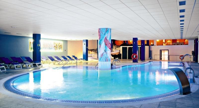 La Quinta Park Suites & Spa Hallenbad