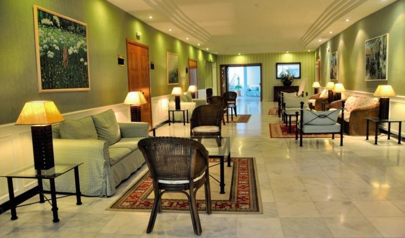 La Quinta Park Suites & Spa Lounge/Empfang