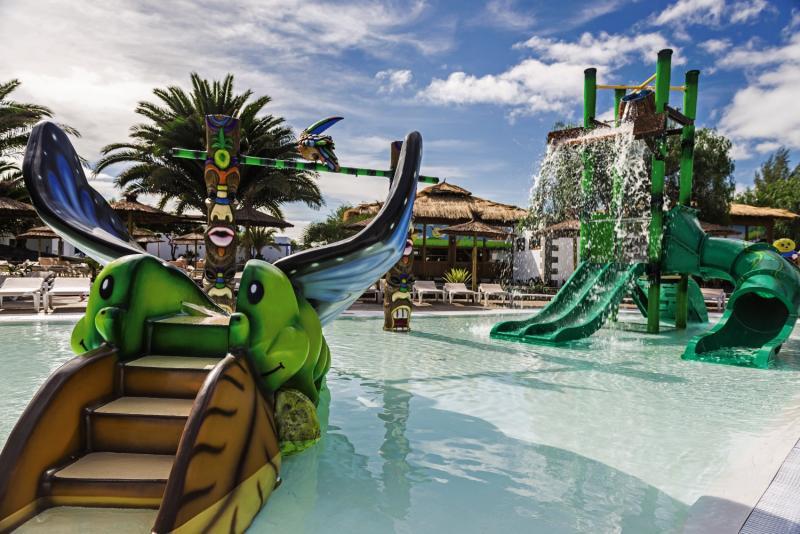 Elba Lanzarote Royal Village Resort Pool