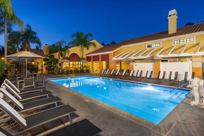 Clementine Hotel & Suites Anaheim  Pool