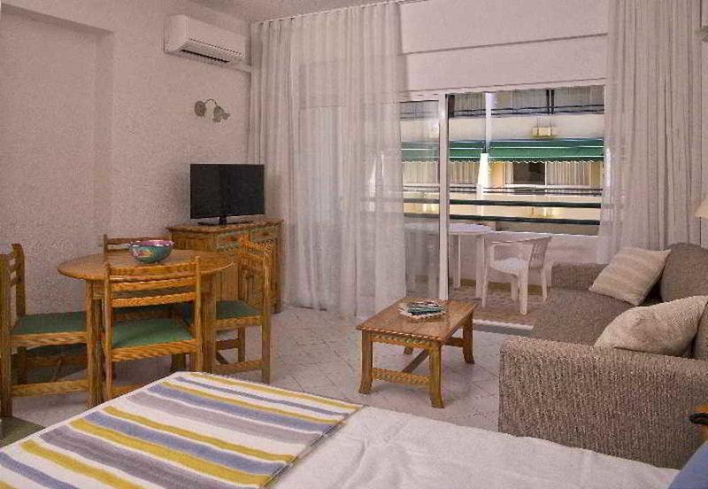 Ourabay Hotel Apartments Wohnbeispiel