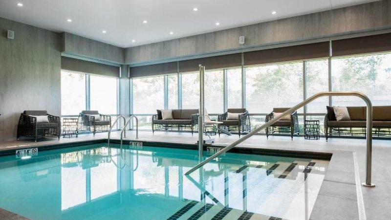 AC Hotel by Marriott Boston Cambridge Hallenbad
