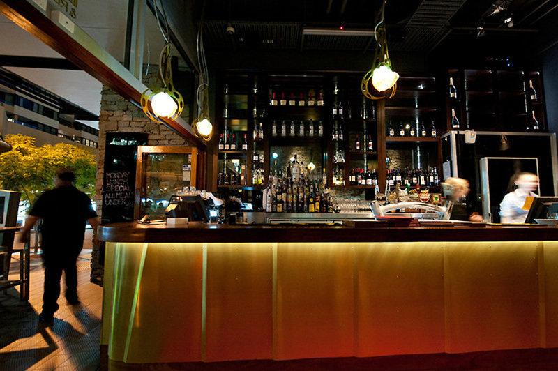 Mantra Terrace Hotel Bar