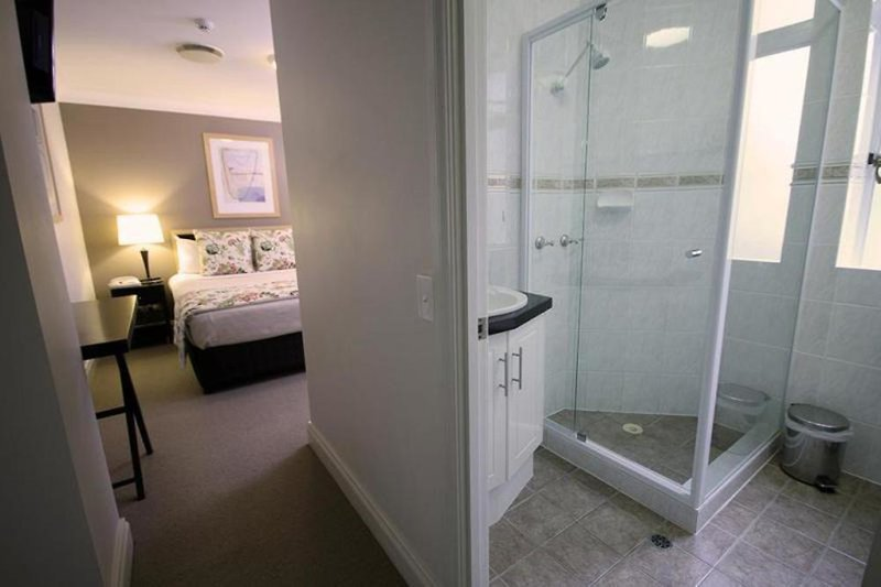 The Manor Apartment Hotel Brisbane Badezimmer