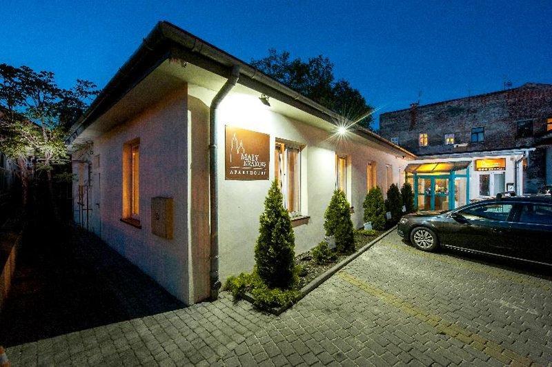 Maly Krakow Aparthotel Außenaufnahme