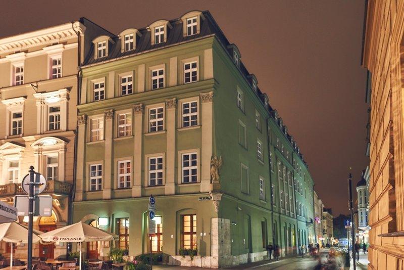 Imperial Hotel Außenaufnahme