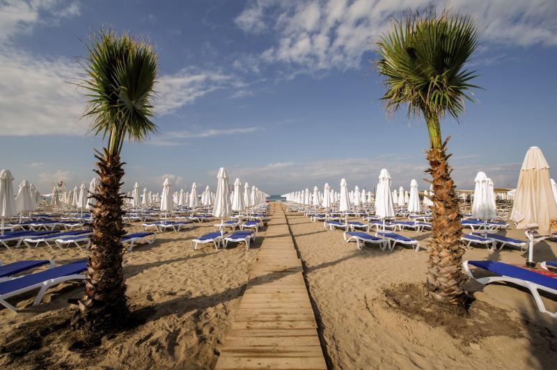 Dream World Aqua Strand