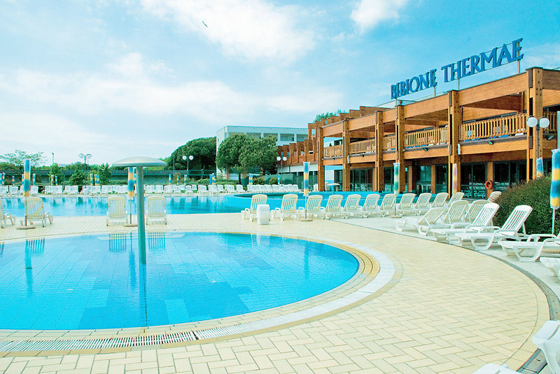Savoy Beach Hotel & Thermal Spa Pool