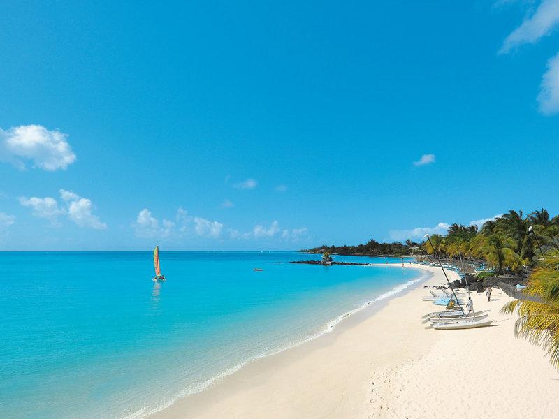 Royal Palm Beachcomber Luxury Strand