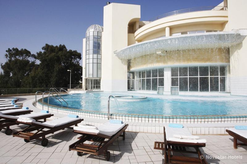 Nahrawess Hotel & Spa Resort Pool