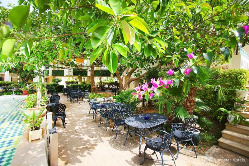 Nahrawess Hotel & Spa Resort Bar