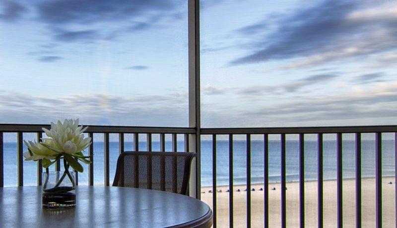 Gullwing Beach Resort Terrasse