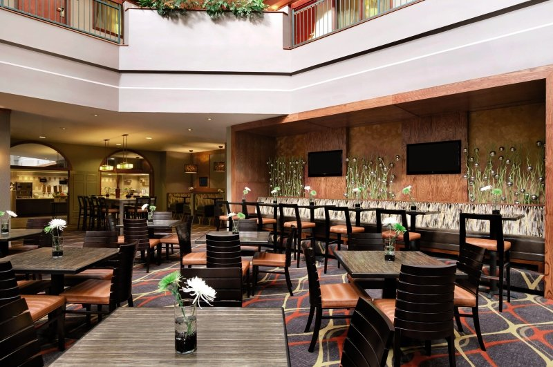Embassy Suites Dallas - Near the Galleria Bar