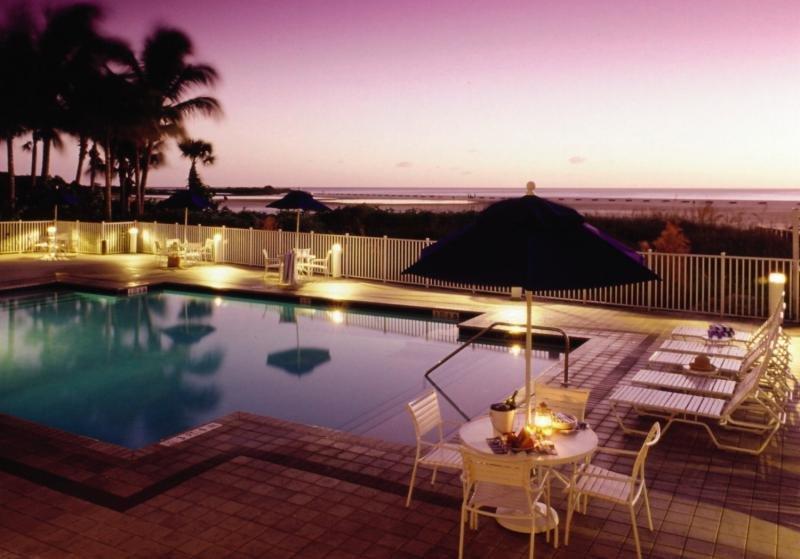 Gullwing Beach Resort Pool