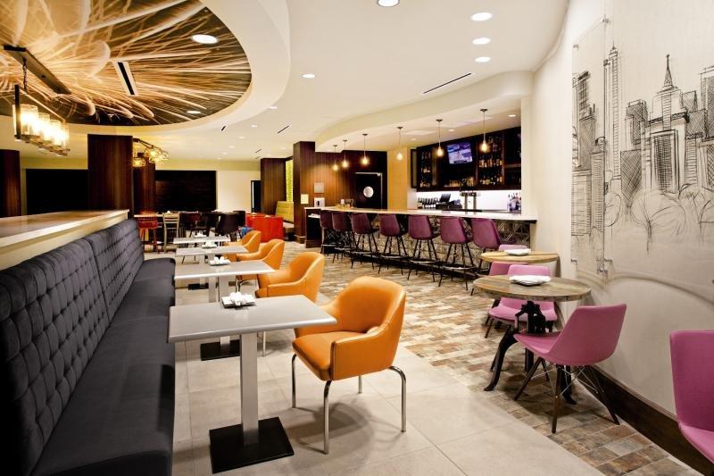 Indigo Austin Downtown - University Bar