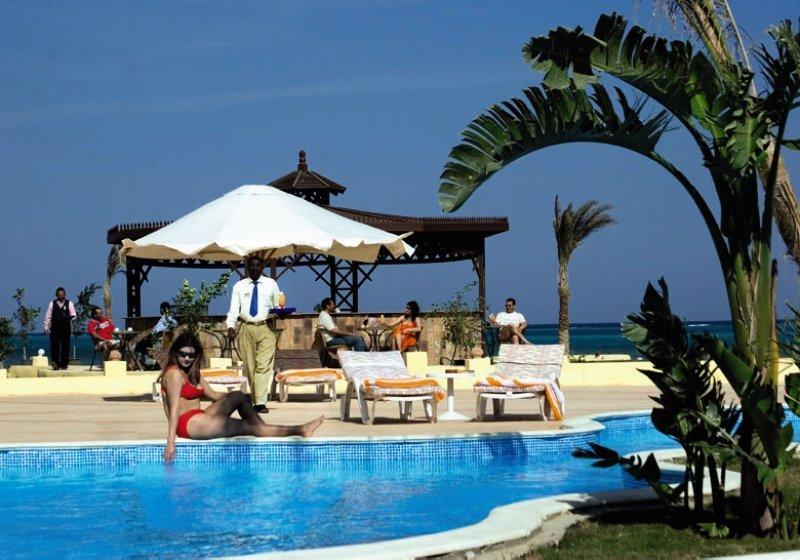 Le Mirage Moon Resort Pool