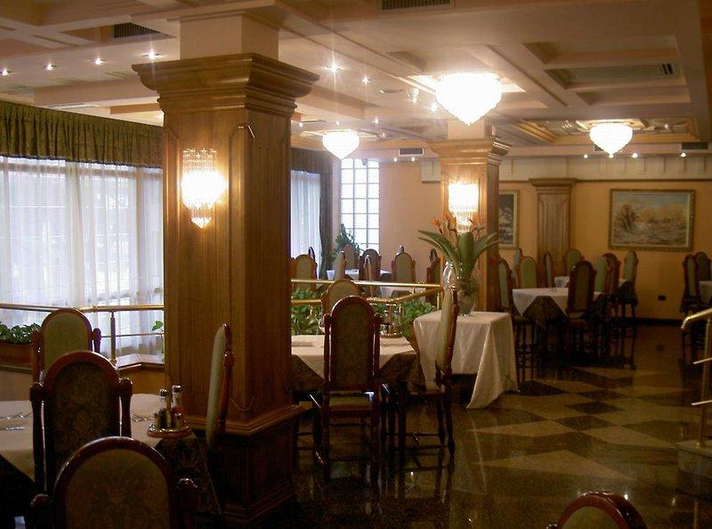 Grand Hotel Tirana Restaurant