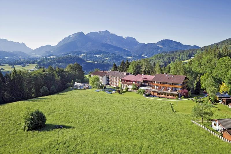 Alm & Wellnesshotel Alpenhof Landschaft