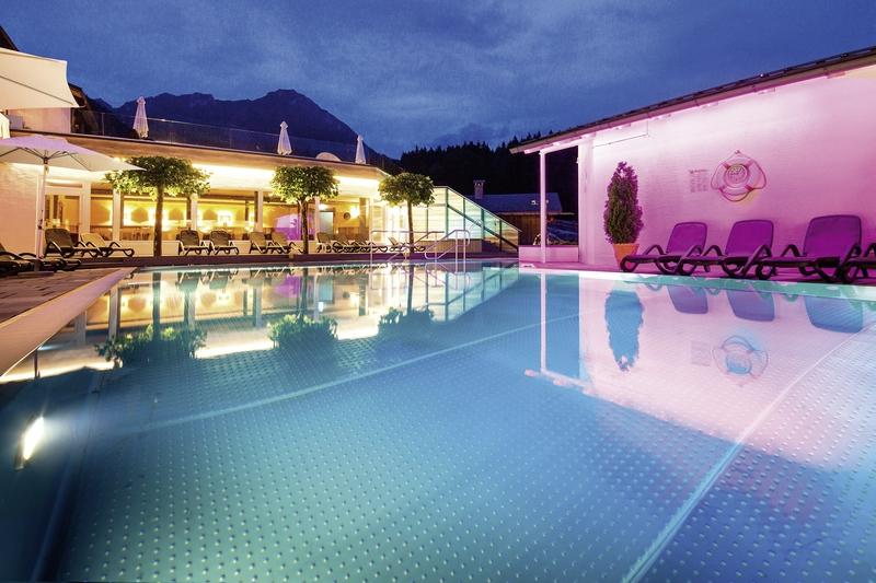 Alm & Wellnesshotel Alpenhof Hallenbad