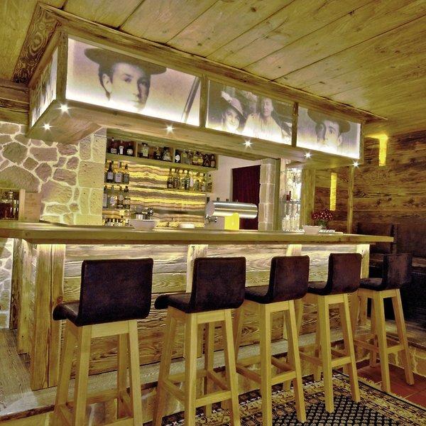 Alm & Wellnesshotel Alpenhof Bar