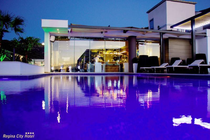 Regina City Hotel Pool