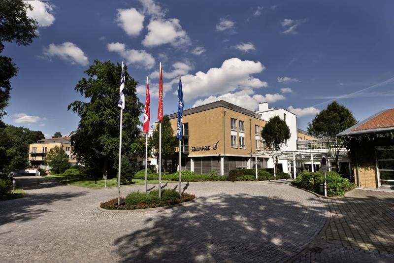 Seminaris Seehotel Potsdam Außenaufnahme