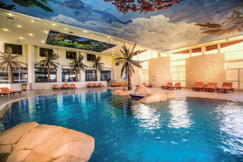 Pyramisa Sharm el Sheikh Resort Hallenbad